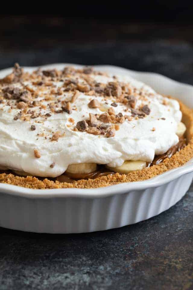 Banoffee Pie in white pie plate